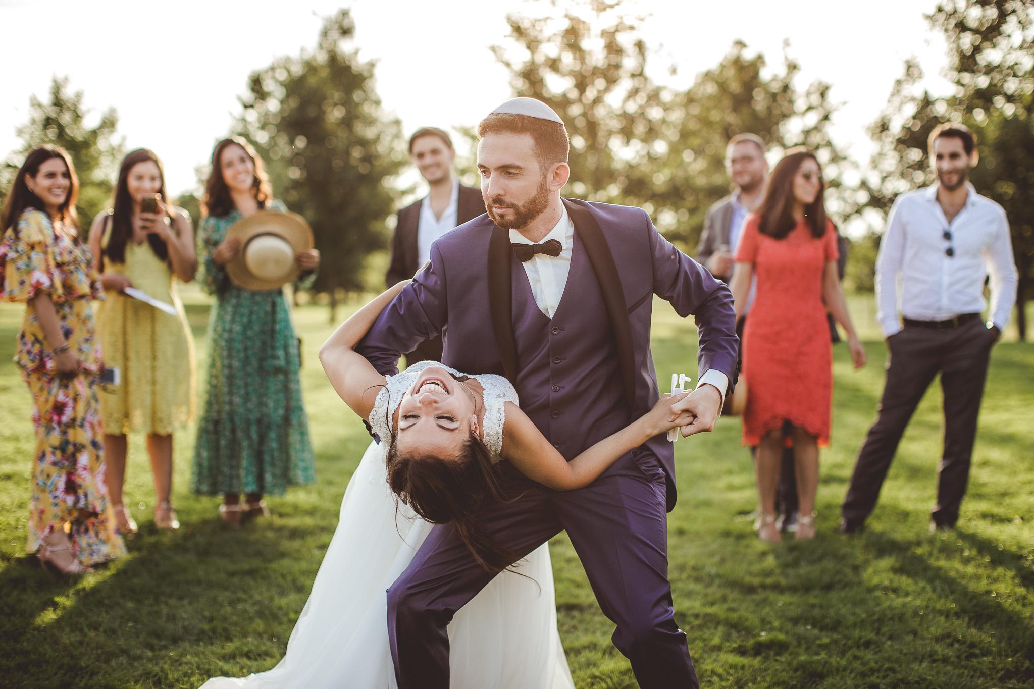 reportage mariage photo invites maries cocktail vin honneur couple danse domaine presissac toulouse