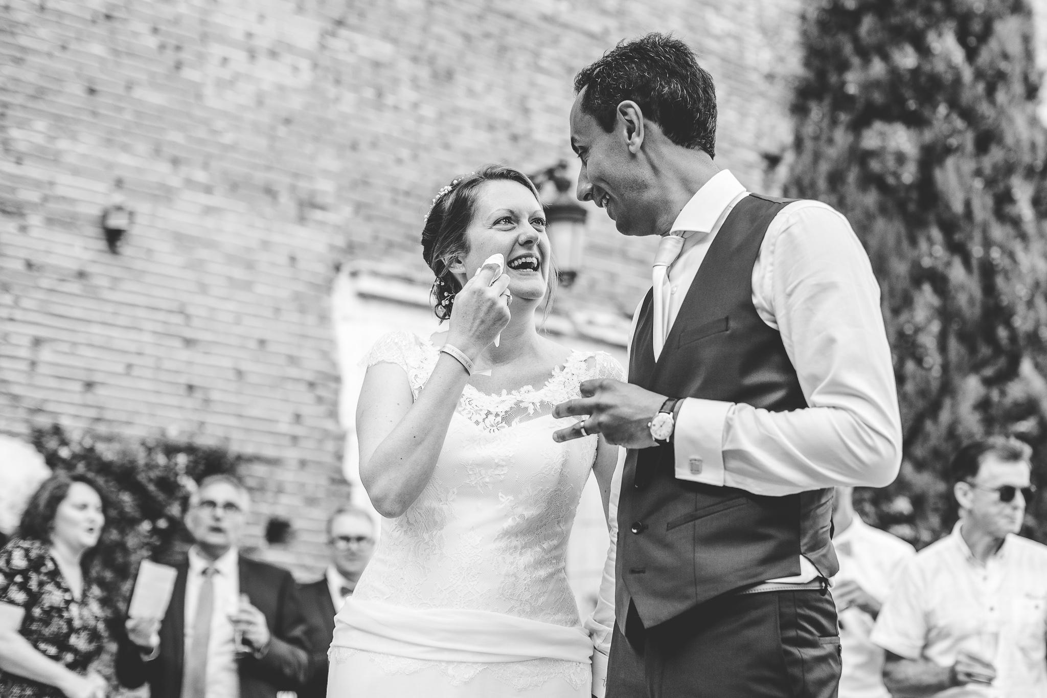 reportage mariage photo emotions maries pleurs surprise temoins chateau launac toulouse