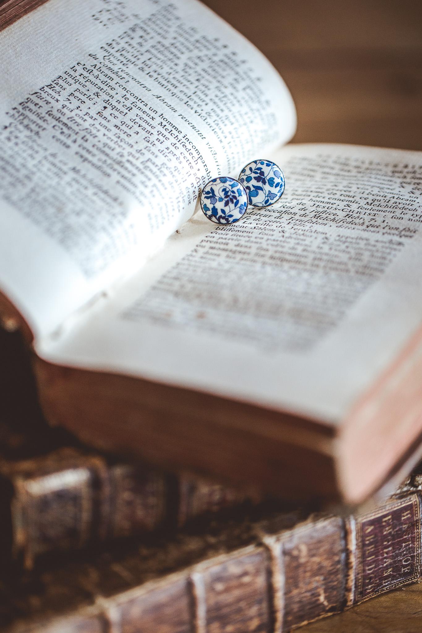 reportage mariage photo habillage preparatifs le marie details bouton manchette liberty domaine ronsac toulouse