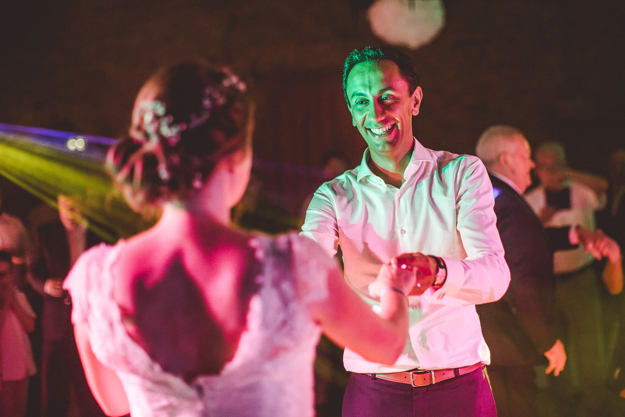 reportage mariage photo soiree dansante premiere danse maries chateau launac