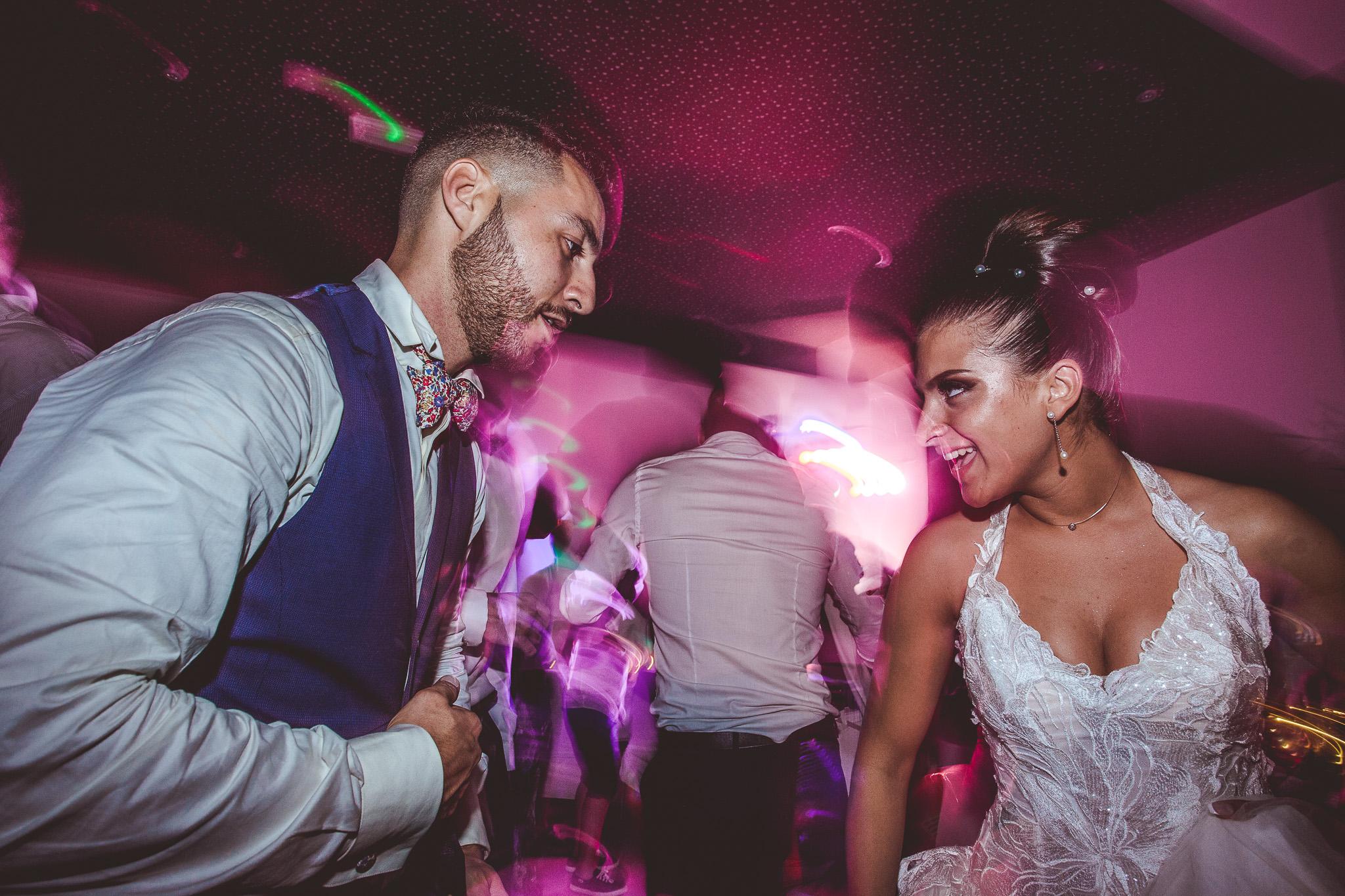 reportage mariage photo original soiree dansante maries danse musique dj chateau mons gers