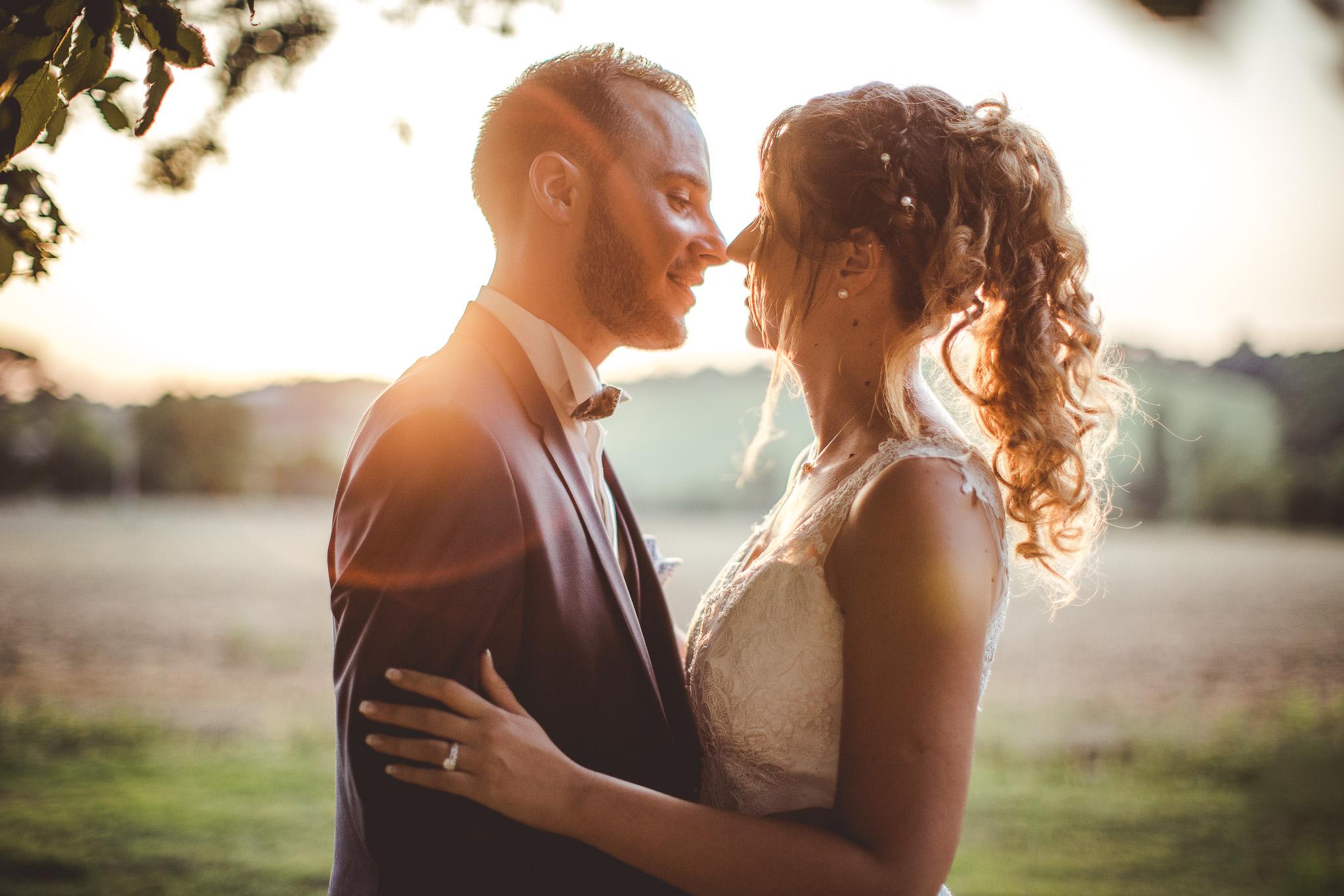 seance photo couple mariage golden hour domaine de ronsac toulouse