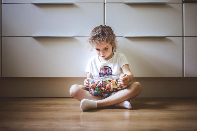 reportage quotidien documentaire famille toulouse enfant soeurs bonbons toulouse