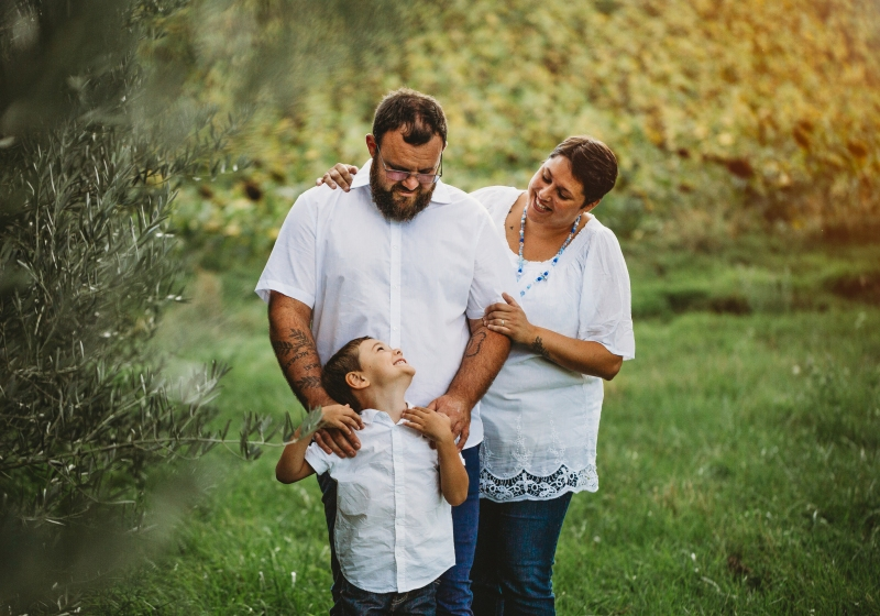 seance-photo-famille-toulouse-charente-fanny-rucher-photographe-professionnelle-enfant-photo-colorée-originale-famille-midi-pyrennees-haute-garonne-photographe-famille-charente