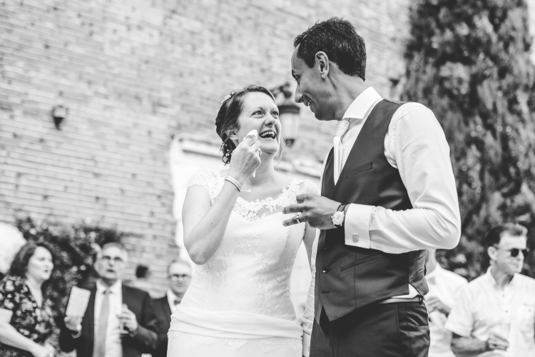 photo-mariage-cocktail-animation-jeux-surprise-emotions-maries-chateau-de-launac